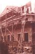 Dachdeckerarbeiten an der Hartmannsdorfer Post im Jahre 1910